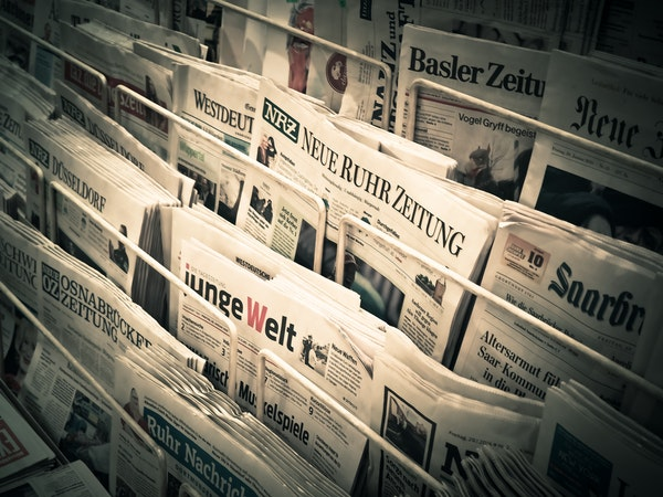 tradiciotnal journalism newspapers